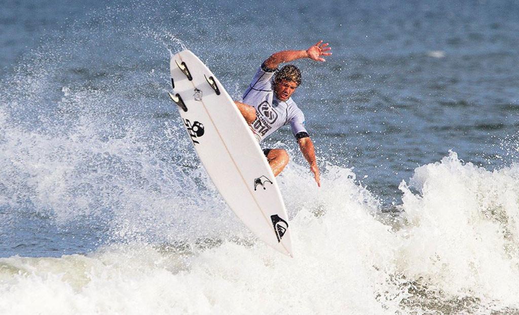 Surf en el Barrio Playa Los Lobos. Chapadmalal. Mar del Plata
